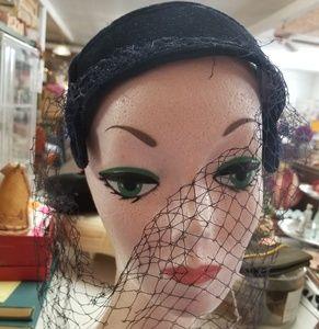 Unknown Accessories - Vintage 1950's 1960's Black Velvet Fascinator